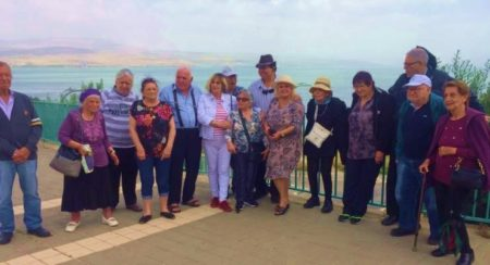 Israeli Holocaust Survivors on tour to Sea of Galilee