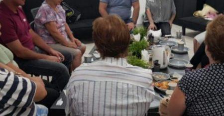 Israeli immigrants having lunch in Jerusalem