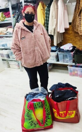 New immigrant woman in Aid center in Israel