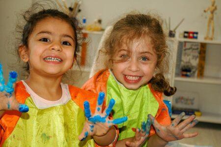 Children fingerpainting